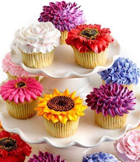design flower cake 25 best ideas about flower cupcakes on pinterest pretty