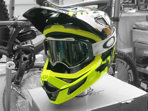 oakley motocross goggles 2013 oakley airbrake mx goggles website www panaust com au