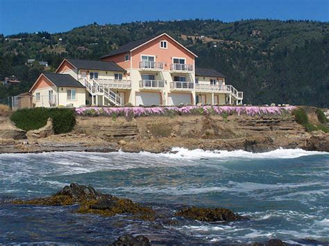 Cove Cottage Rentals by Shelter Cove Vacation Rentals Whitethorn Ca California