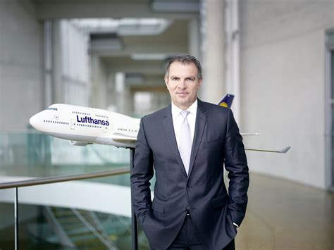 lufthansa cabin crew lufthansa cabin crew strike continues airports