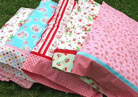 Handmade Pillow Cases Patterns - best 25 handmade pillow cases ideas on sewing