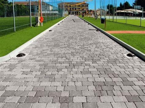 pavimentazione cortili esterni pavimentazioni per esterni guida alla scelta pavimenti