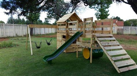 Backyard Playhouse Diy Reclaimed Pallet Jungle Gym Pallet Playhouse 99