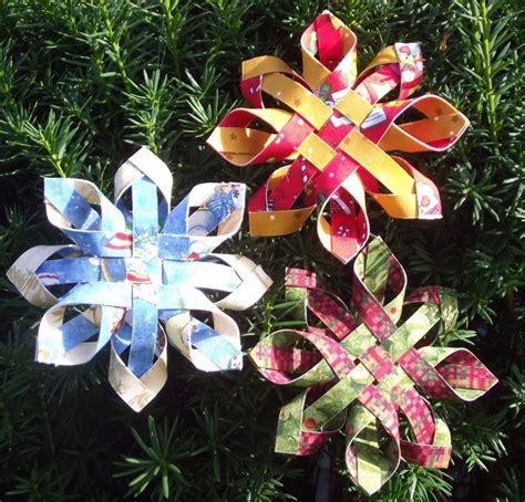 How To Make 3d Paper Ornaments - craft maniacs 3d paper snowflake ornaments