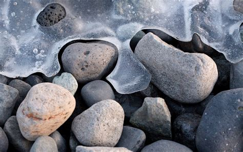 frozen waves wallpaper frozen waves around the pebbles wallpaper photography