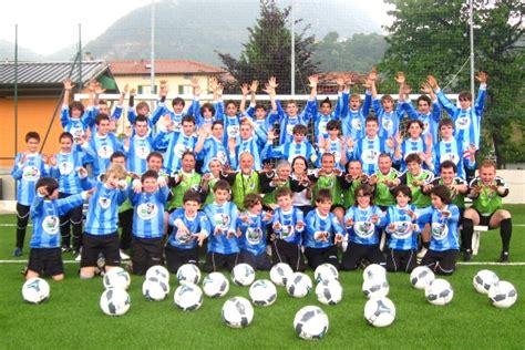 giochi di calcio portiere italiano pianeta portiere la scuola per giovani portieri