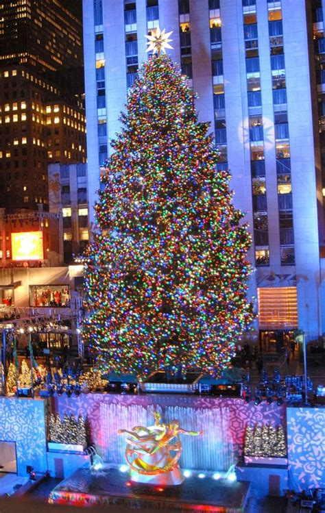 the christmas tree lighting at the rockefeller center is