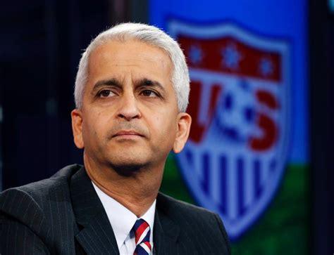 Divey Gulati Mba U Of I by U S Soccer Gulati Dodges Questions About Fifa