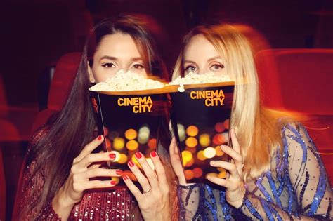 film gratis zeus si roxane pentru ca popcraciun fabulous muses