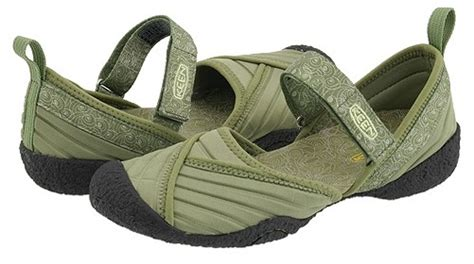 Comfortable Shoes For Travel by How To Buy Walking Shoes Woogsworld