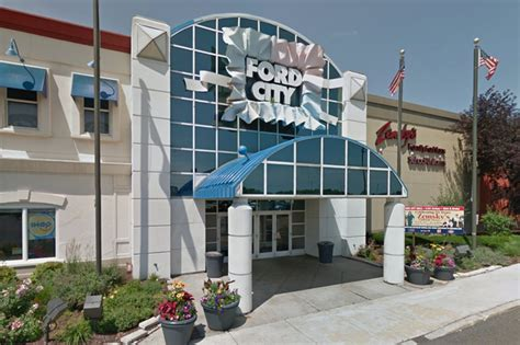 ford city chicago stabbed in at ford city mall say west
