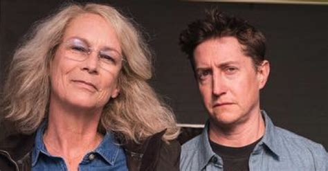 jamie lee curtis in new halloween movie jamie lee curtis shares first photo from set of new
