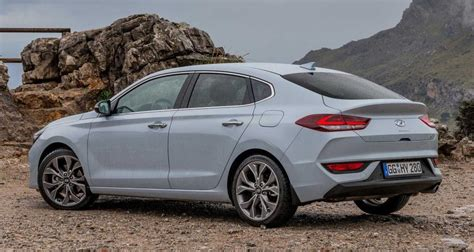 2018 hyundai i30 fastback uk pricing and specs confirmed