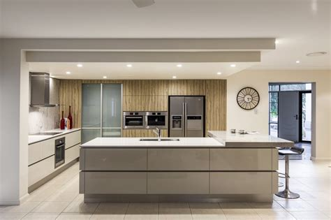 Designer Kitchens Kitchen Renovation Brisbane With Caesarstone Benchtops And White Macubus Quarzite