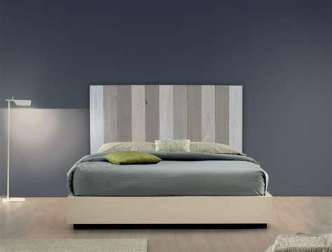 tete de lit bois brut t 234 te de lit en bois brut patines couleurs