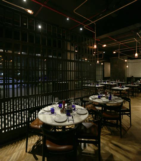 pizza express at paradise andheri