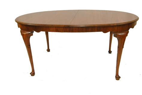queen anne dining room table georgia style queen anne cherry oval dining room table by
