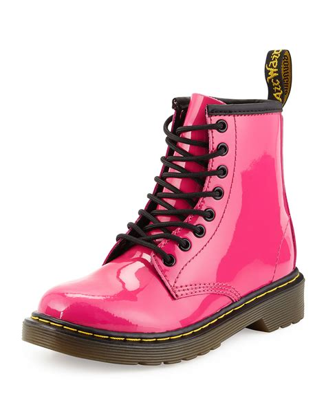 dr martens delaney patent leather boots in pink