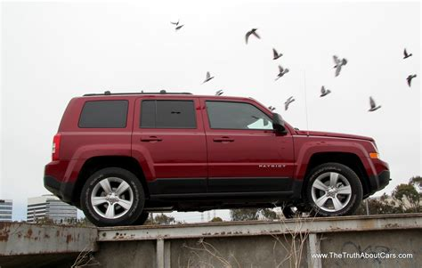 review  jeep patriot latitude  truth  cars
