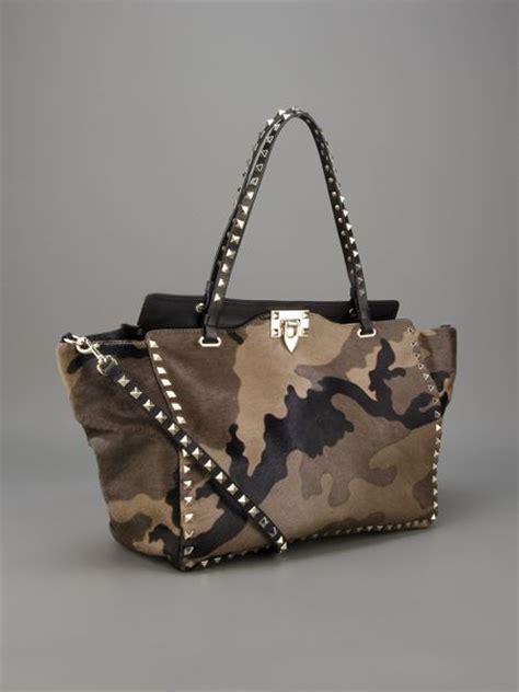 Bag Valentino Selempang Stud 2962 valentino camouflage rock stud tote in khaki green lyst