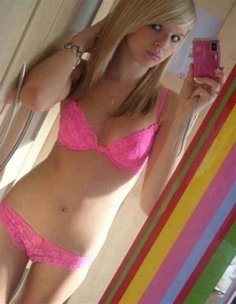 petite teen bra selfie sexy bikini realgirls teen selfpic mirrorpic