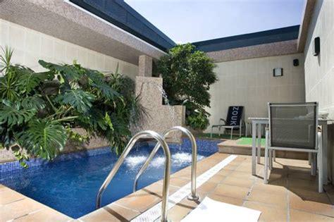 hotel con piscina privada en la habitacion suites con piscina privada en madrid hotelesconjacuzzi es