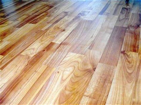 Floor fitters for vinyl floors, safety flooring, carpets