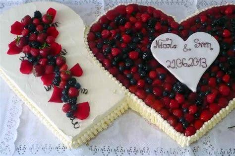 Hochzeitstorte Herz Erdbeeren by Hochzeit Feste