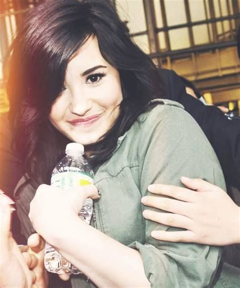 demi lovato biography in french 91 best images about famous singers on pinterest andy