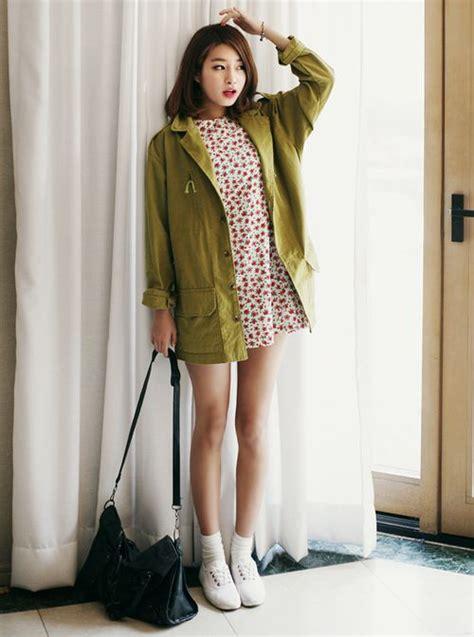 Dress Rajut Korea Green Shireen korean fashion floral skirt green coat black shoulder bag and white shoes i like it