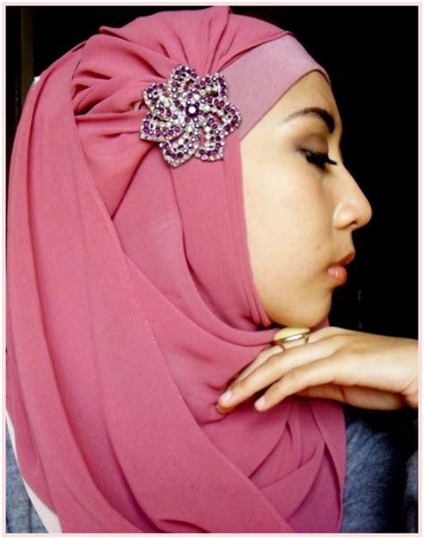 Jilbab Pesta Cara Memakai Jilbab Untuk Pengantin Hairstyle Gallery
