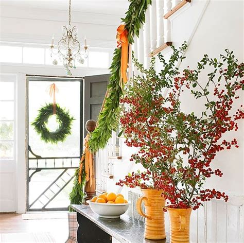 23 gorgeous christmas staircase decorating ideas 22 beautiful christmas decorations for stair ideas home