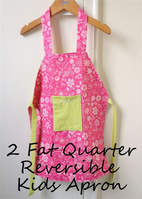 pattern reversible apron 775 best aprons 2 images on pinterest sewing patterns