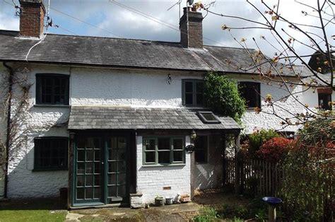Tilford Garage by 2 Bedroom Terraced House For Sale In Stockbridge Cottages