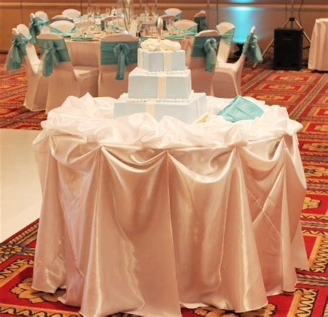 Chicago Cake Table Decoration   Weddingbee Photo Gallery