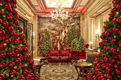 casa addobbata per natale decorazioni di natale idee per hotel e ristoranti