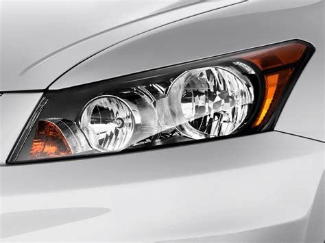 2011 honda accord headlights image 2011 honda accord sedan 4 door i4 auto lx headlight