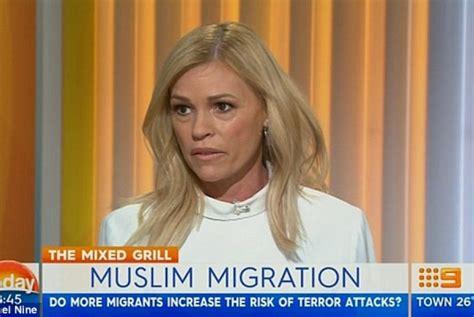 Wrap Tambahkan Ini Untuk Lebih Aman larang muslim ke australia presenter tv diejek di media sosial republika