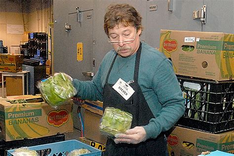 peninsula food banks work to fill constant need