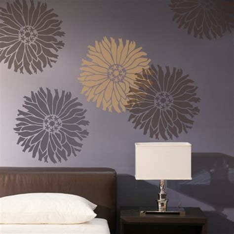 flower design on wall starburst zinnia flower stencil flower stencil designs