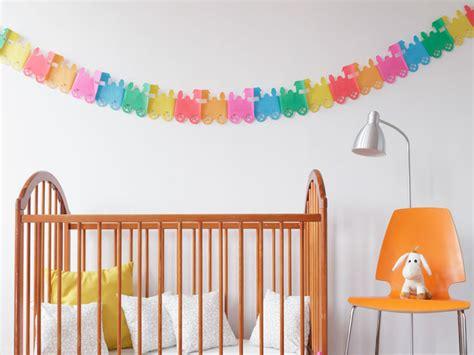Wand Im Kinderzimmer Gestalten kinderzimmer bunt gestalten tolle ideen tipps f 252 r die