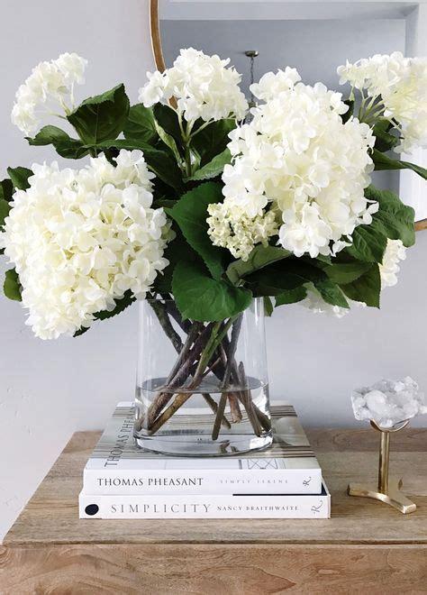 coffee table flower arrangements best 25 coffee table styling ideas on pinterest coffee