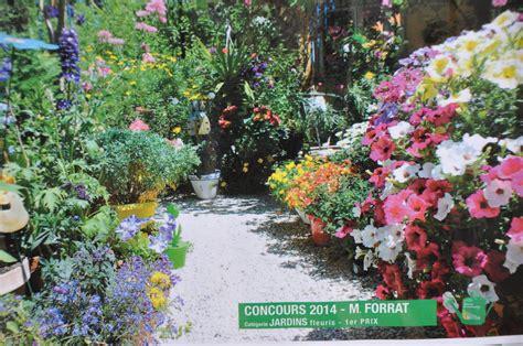 Creer Un Jardin Fleuri Toute L ée by Jardini 232 Re Fleurie Toute L 233 E Une Grande Jardini Re
