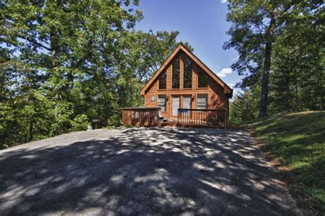 Summit Cabins by Gnarled Oak Pigeon Forge Cabin Rentals 800 547 0948
