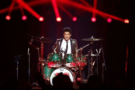 bruno mars superbowl performance mp3 download bruno mars hd wallpapers pictures download