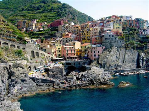 cliffside restaurant italy the colorful italian village manorola fabulous traveling