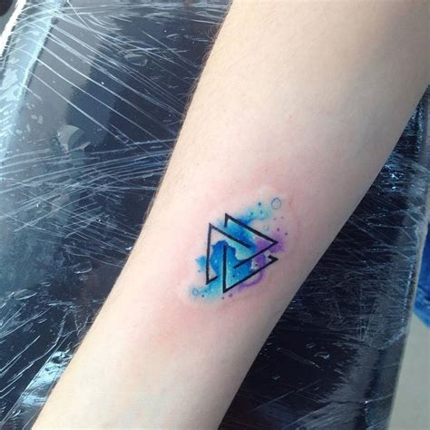 valknut tattoo pinterest watercolor style valknut as trefoil knot or triquetra