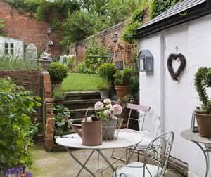 Courtyard Backyard Ideas Beautiful Townhouse Courtyard Garden Designs Digsdigs