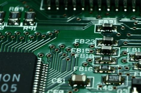 printed circuit board vs integrated circuit ic chips and their in technology moon scoop