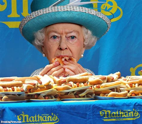 funny hot dog pic queen elizabeth in the hot dog eating chionship